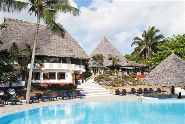 pool Karafu beach resort