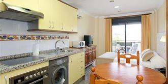 Apartamentos Nuria Sol 3*